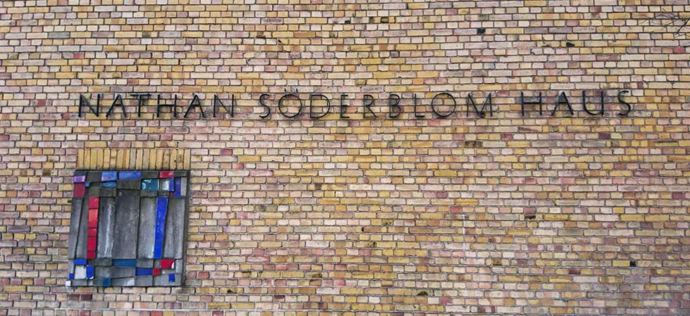 Schriftzug des Nathan Södberblom Hauses